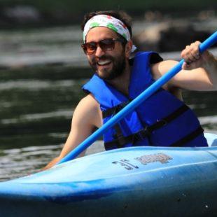 man kayaking on Delaware River Indian Head Canoeing Rafting Kayaking Tubing Delaware River