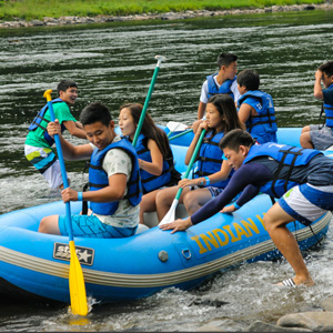 group getting ready to hit river in raft Indian Head Canoeing Rafting Kayaking Tubing Delaware River